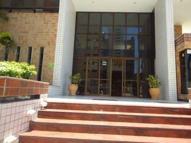 3 quartos / piscina e internet próx. da Beira Mar
