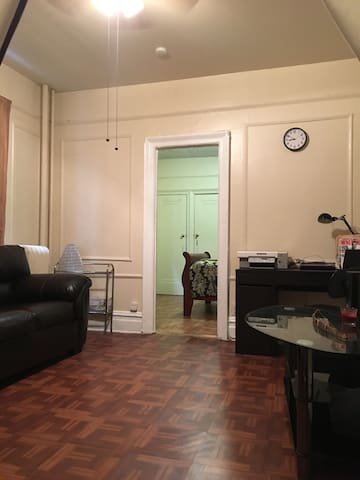 Cozy apartment close to PATH station & New York