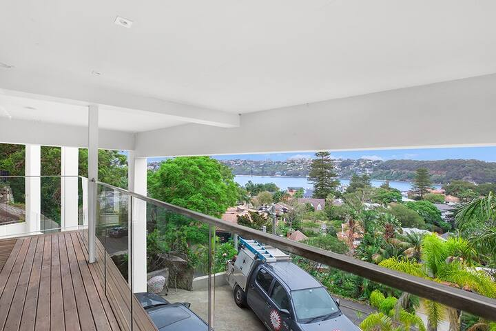 Clontarf Luxury Studio with a water view
