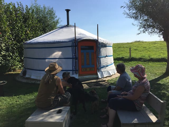 Prachtige yurt aan winterdijk Yssel - Olburgen - Rundzelt