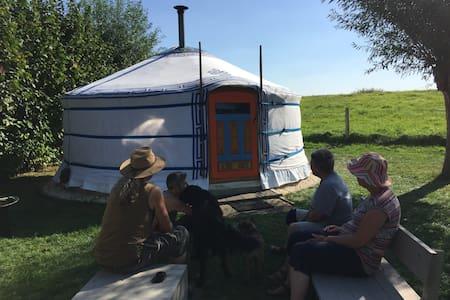 Prachtige yurt aan winterdijk Yssel - Olburgen - Jurta