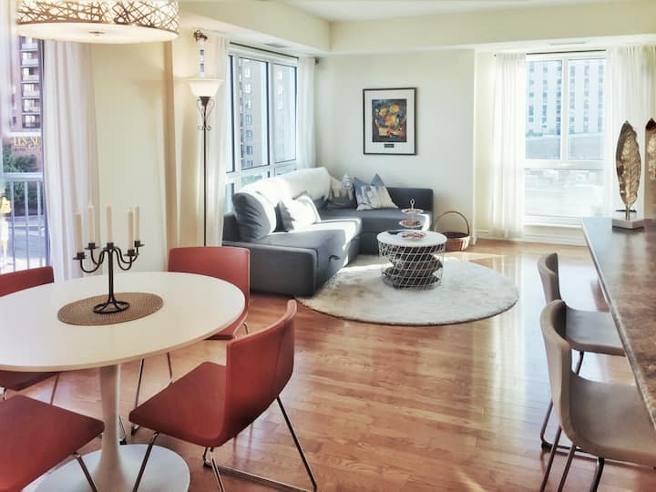 Luxury Downtown Ottawa Condo walk score 99