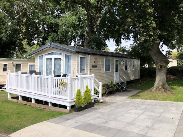 6 Berth Caravan Haven Holiday Park, Free Beach Hut
