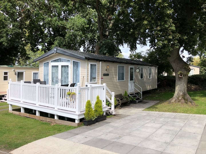 6 Berth Caravan Poole Haven Holiday Free Beach Hut