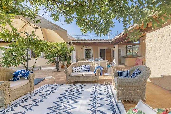 Villa Bunyola Tramuntana Sun: Cozy finca with pool