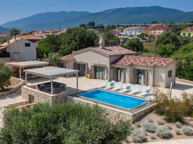 Villa Frydi Super Luxury waterfront  3+1 bedroom