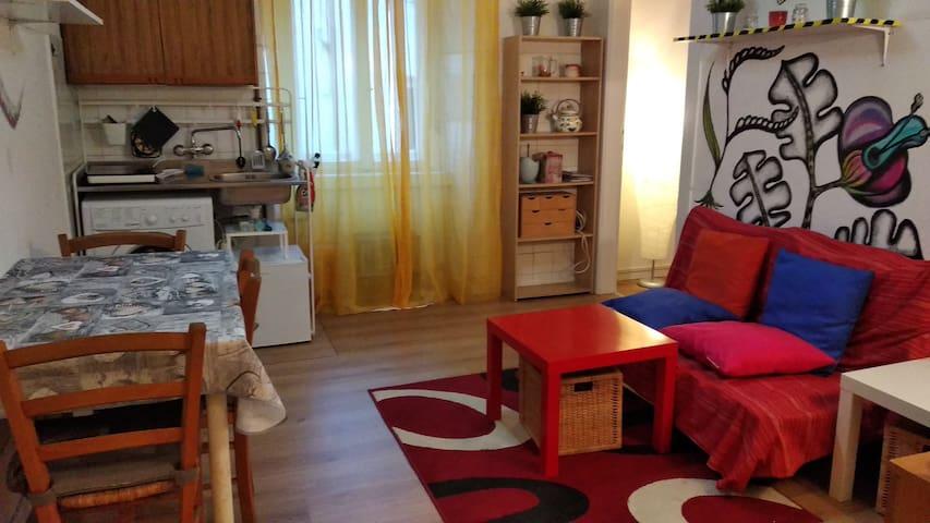 Murales Apartment