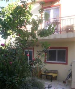 ΑΡΤΕΜΙΣ , Μεζονέτα - Violi Charaki - House