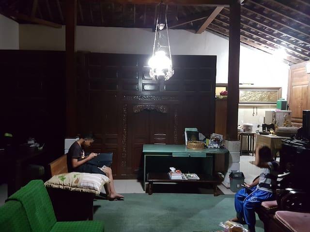 NABIN BED & BREAKFAST, PICK UP SERVICE INCLUDED