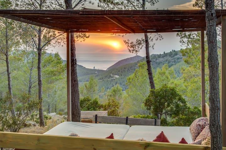 Magical Casita Set in the Northern Ibiza Hills