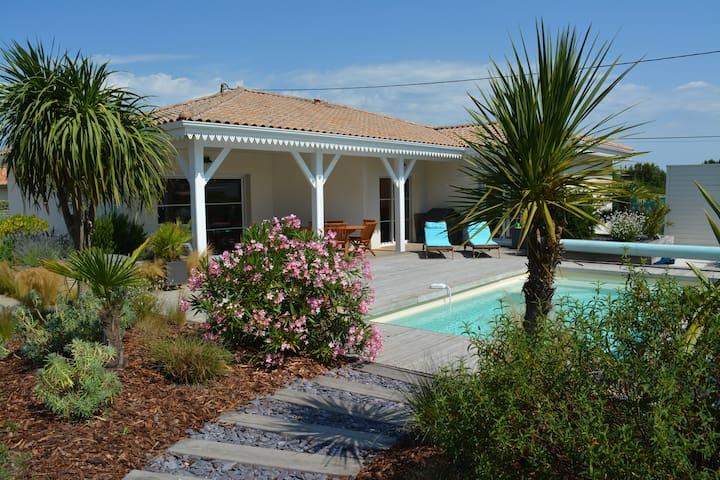 Villa avec piscine proche des plages Atlantique