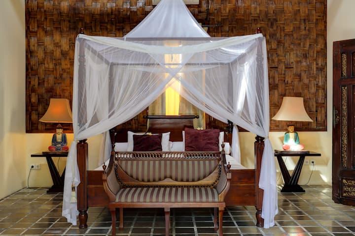2 Bedroom Tropical Villa with Pool in Kerobokan