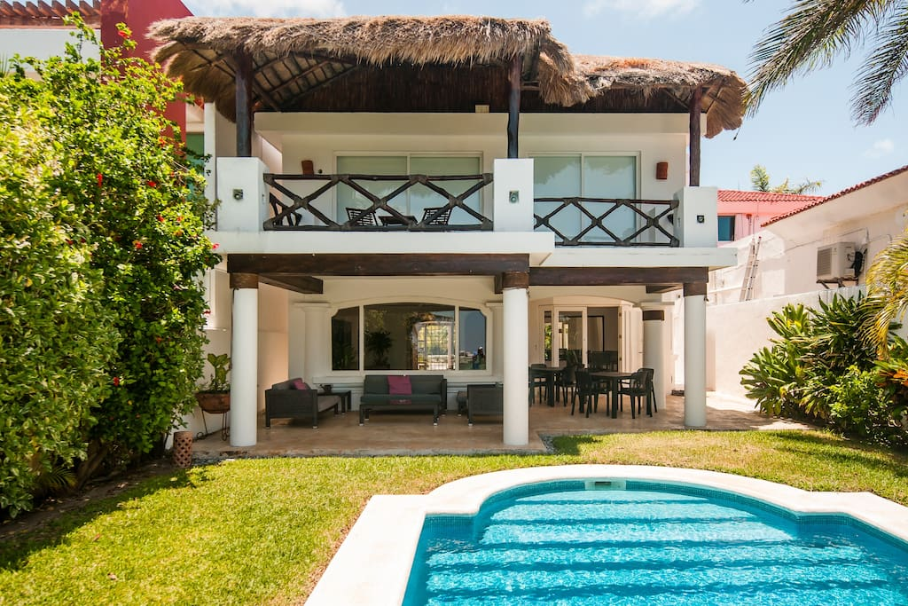 Large Private Pool, Garden and Terrace