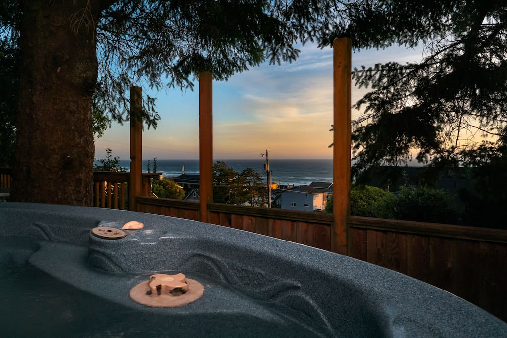 """Beautiful view of the crashing waves at night from the hot tub. We totally relaxed and had a wonderful weekend."" John & Linda"
