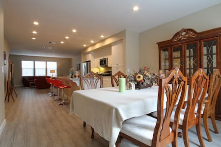 Luxury condo in town green Windsor - Windsor - Townhouse