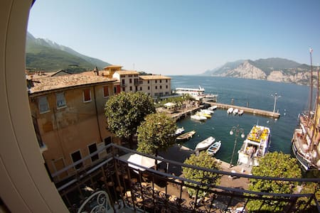 luxury apartament and luxury lake view - Malcesine - Apartemen