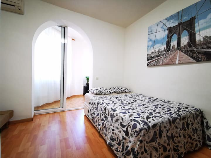 4. Room for 2-3 persons near Sagrada Familia.