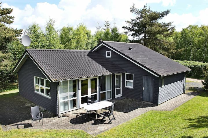 Delightful Holiday Home in Ålbæk with Sauna