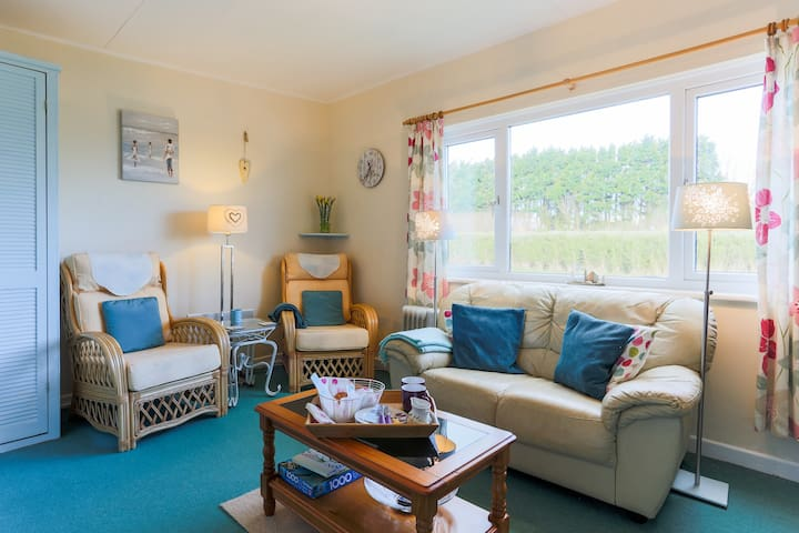 Holiday chalet close to The Lizard  and Cadgwith