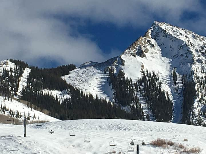 Condo for 4 in the middle of Mt. Crested Butte