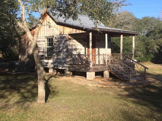 Secluded Log Cabin For 2 in La Grange TX