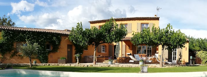 Provence Luberon sud charmante villa avec piscine