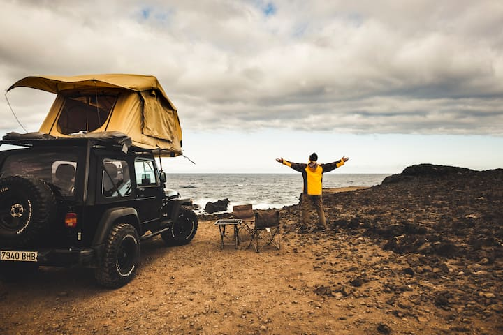 FREEDOM - JEEP WRANGLER WITH ROOF TENT