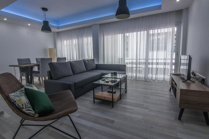 Gallery Apartment - City Center - 100m from sea