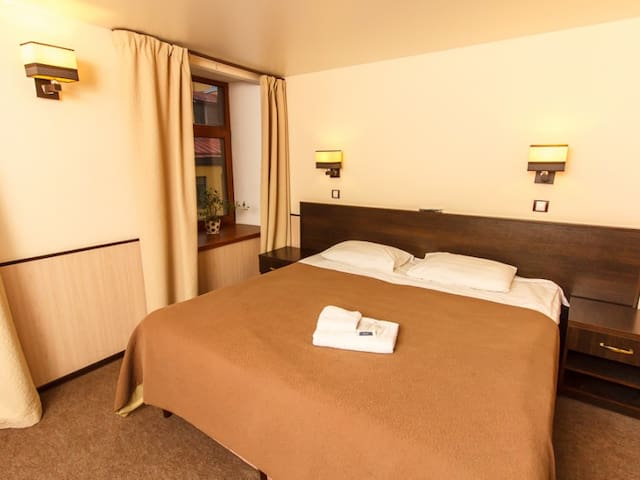 Double room in the centre of Saint-Petersburg. Guest house ''White night''