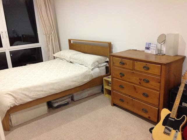 Large Guest Bedroom in the Royal Arsenal