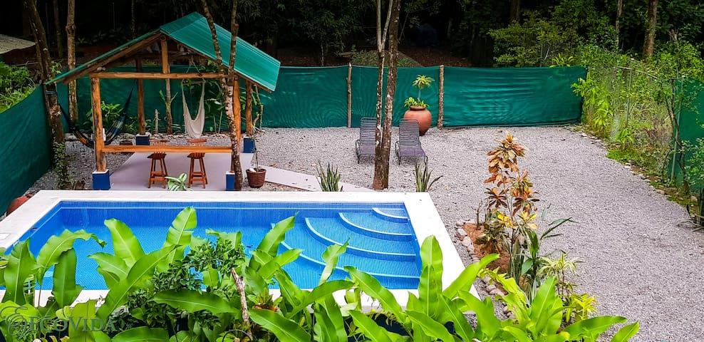 Cabina Azul with a Pool, Beach, wifi & more!