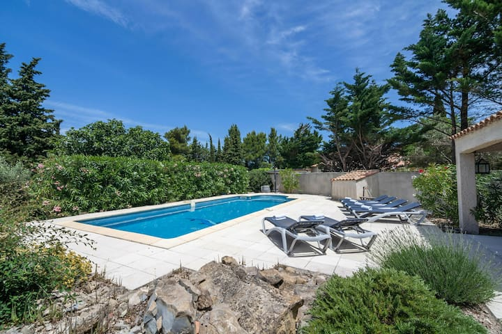 Villa with private swimming pool, large garden and lots of privacy