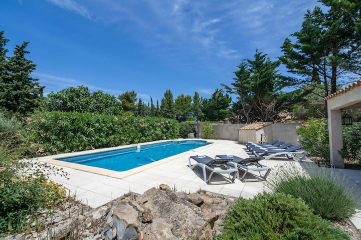 Comfy Villa in Pouzols-Minervois with Private Pool