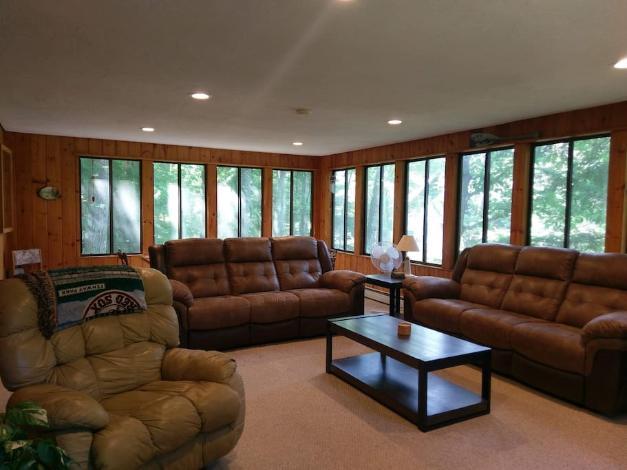 Large living room With Reclining Sofas