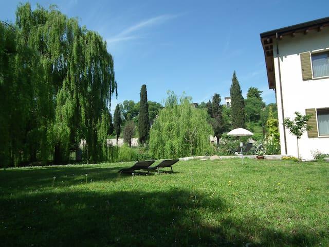L'Isolo case vacanza vicino al Lago di Garda NIDO