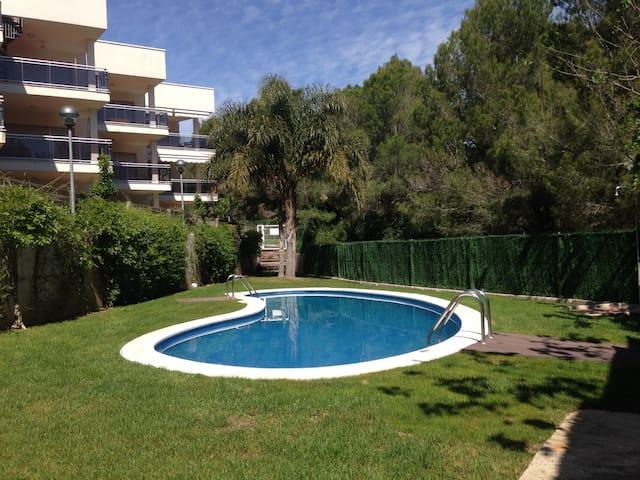 appartement avec toit terrasse - Calafat - Lägenhet