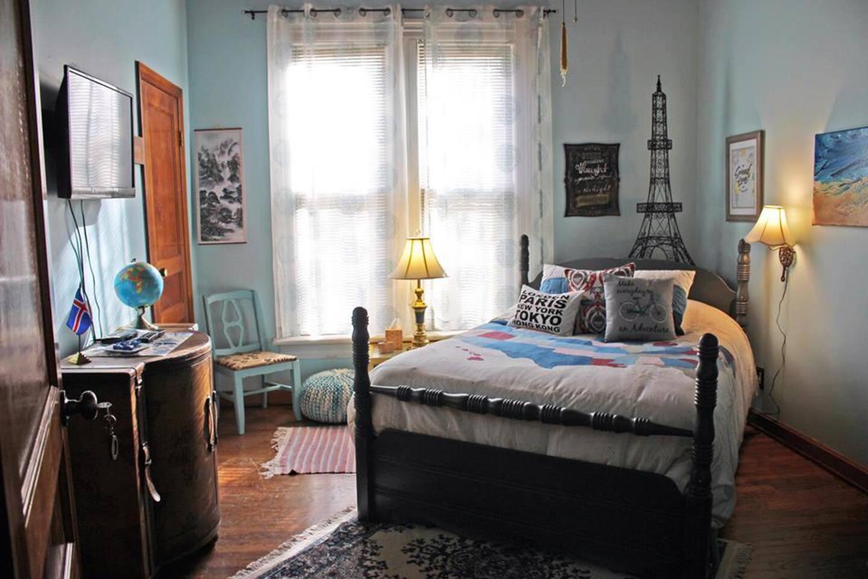 Bedroom: Wanderlust
