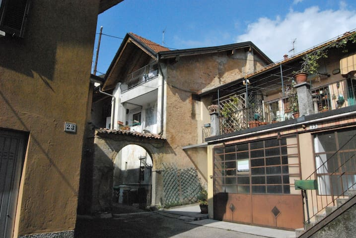 Bright penthouse - Varese - Apartment
