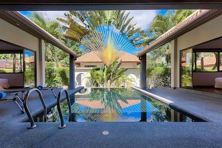 Villa cosy et lumineuse avec piscine, proche plage - Ko Samui