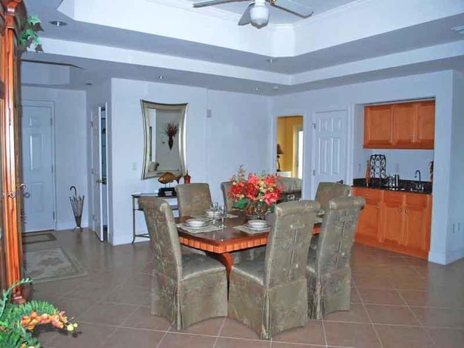 Sunrise Pointe 2-204 Dining A