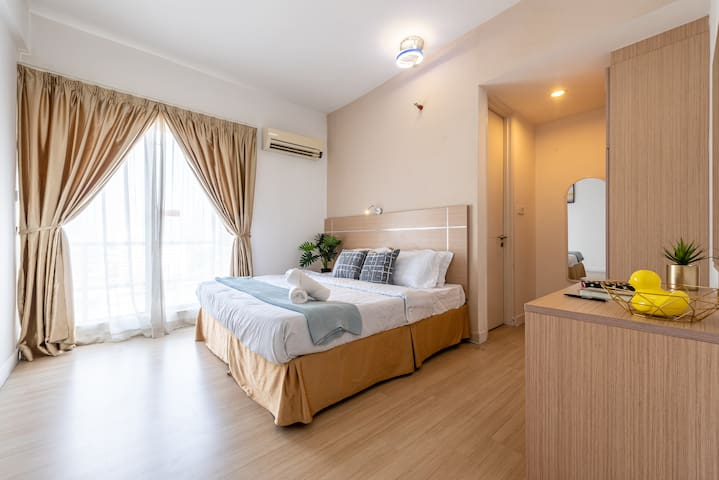 Family Suite 3 Bedroom 7pax Link LRT Station KL 中文