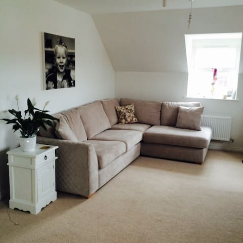Beautiful 2 bedroom apartment near the seafront! - Portslade