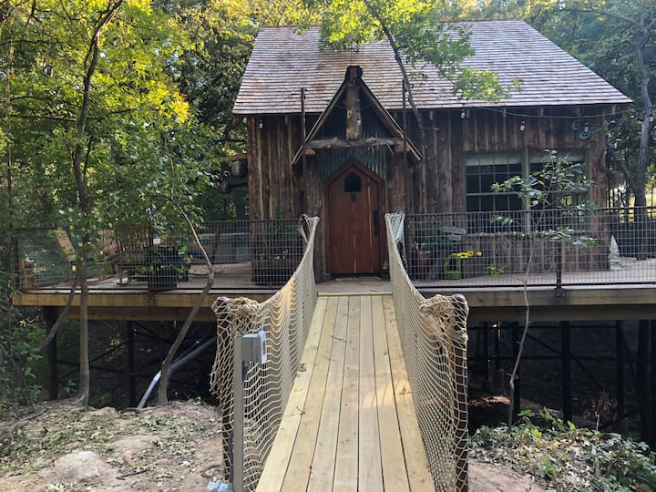 VDay Spec Hobbit TreeHouse 350 acres-Brazos River!