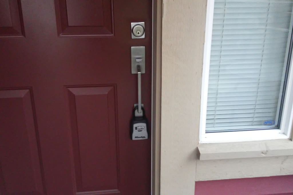 Main door of the house with Master Lock box in case of a self check in.