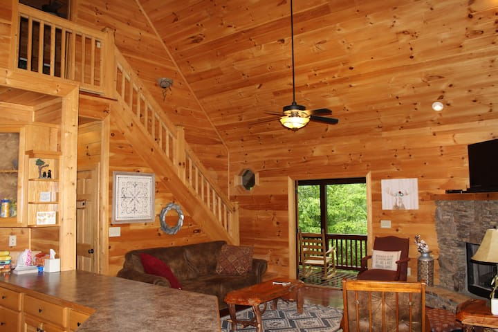Blue Ridge Cabin Retreat; Amongst The Clouds