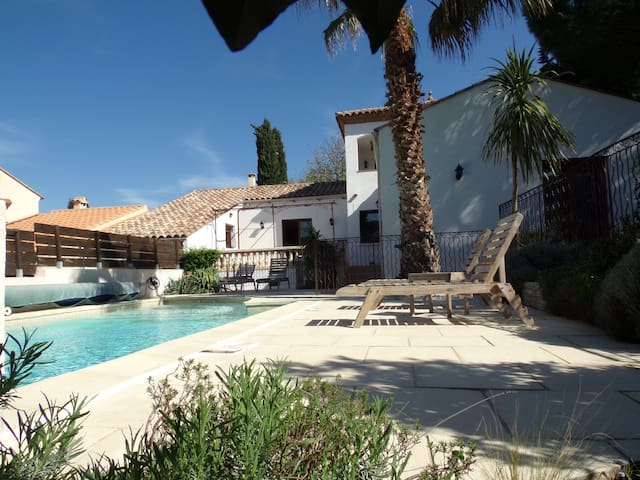 Chambres indépendantes Villa piscine,