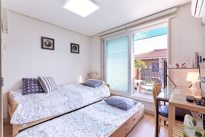 Clean and Cozy House in Gangnam