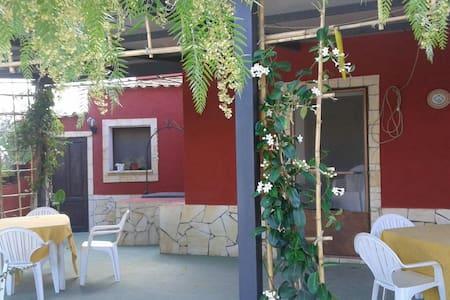 Casa Linu, rustico immerso nella natura - Santa Margherita di Belice - Lodge immerso nella natura