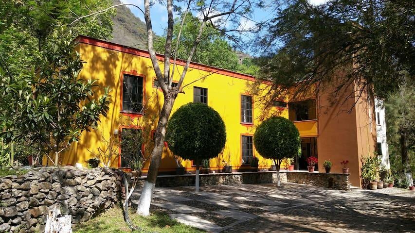 Casa Bonita cerca de las Misiones.. - Escanelilla - Bed & Breakfast