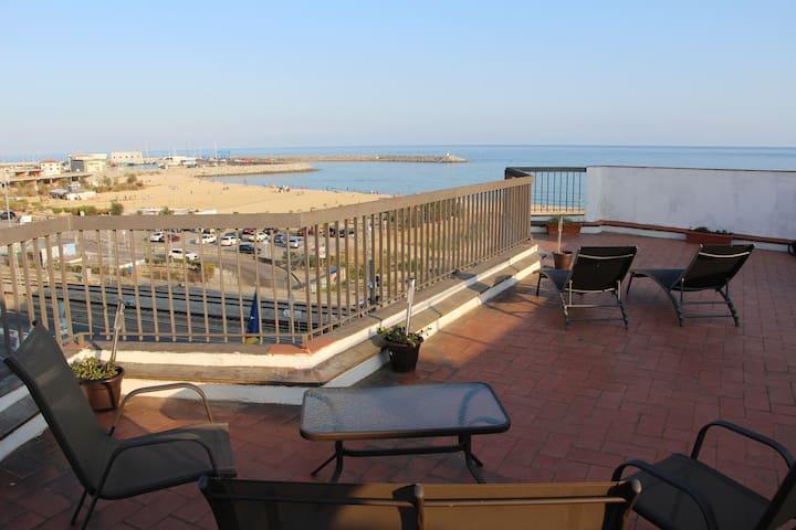 Ático frente al mar - Arenys de Mar - Apartemen